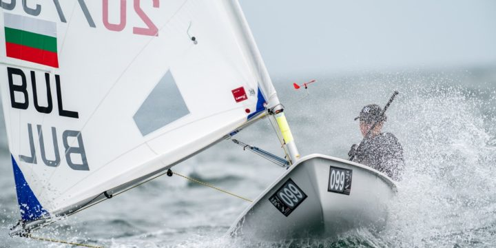 With 3 new races continued the 3rd day from the Laser Radial Women's World Championship in Sakaiminato, Japan.