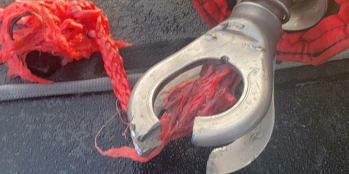 Armel Tripon makes a vital repair after climbing the mast ….