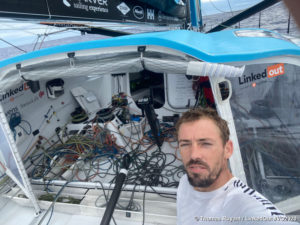 Damage to the port foil of Thomas Ruyant's LinkedOut, slows his pace!